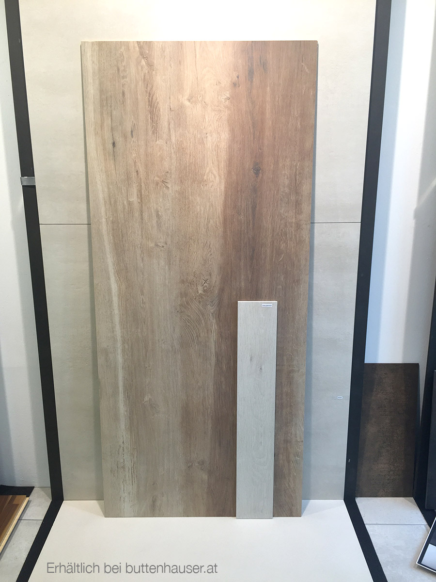 Grossformat Fliesen in Holzoptik